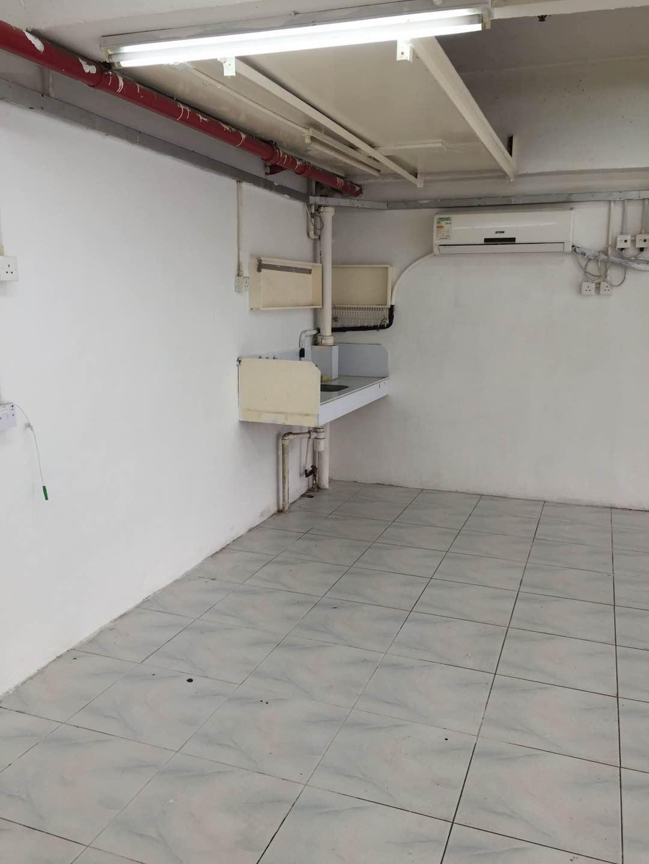 金豐工業大廈 1,024呎 租$13,000 – 香港地