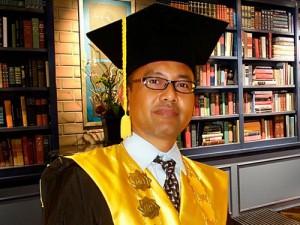 Prof Akh Muzakki, MAg Grand, Dipl, SEA, MPhil, PhD