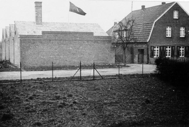 Erster Sheddachbau (Sägezahndach) auf dem heutigen Firmengrundstück in Breyell, Nettetal