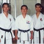 梁伯偉師傅及黃家棟師傅與日下修次師範合照 Sensei Patrick P. W. Leung, Sensei Sunny K. T. Wong with Sensei Shuji Kusaka