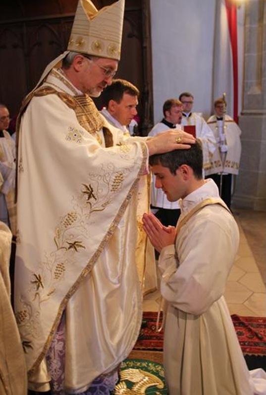 Kirchliche Berufe und Dienste