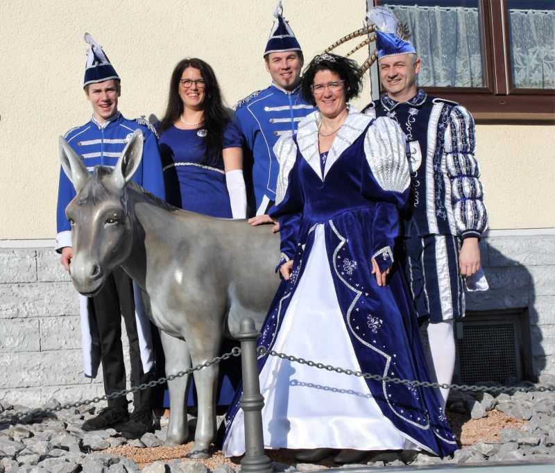 Das Dorndorfer Prinzenpaar Prinzessin Elli I. und Prinz Heiko I.