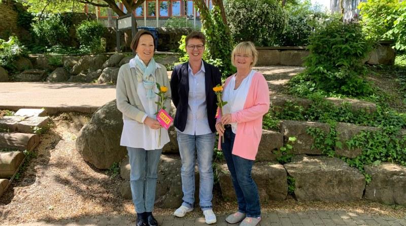 Vera Arras (Leitung Kita St. Nikolaus), Marion Schardt-Sauer MdL und Ute Sawall (stellvertr. Leitung) Bild FDP