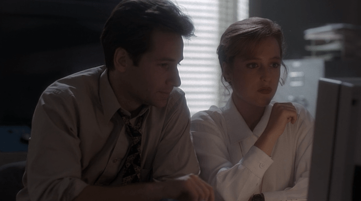 Scully and Mulder at Computer
