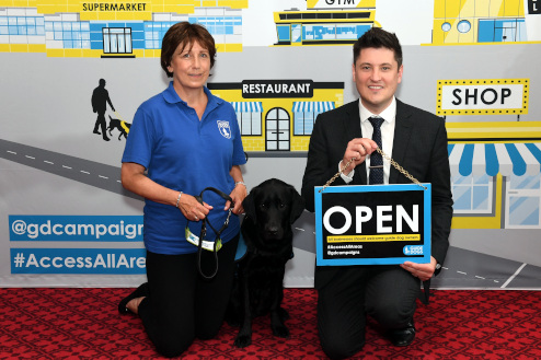 Ged Killen offers his support to Guide Dogs