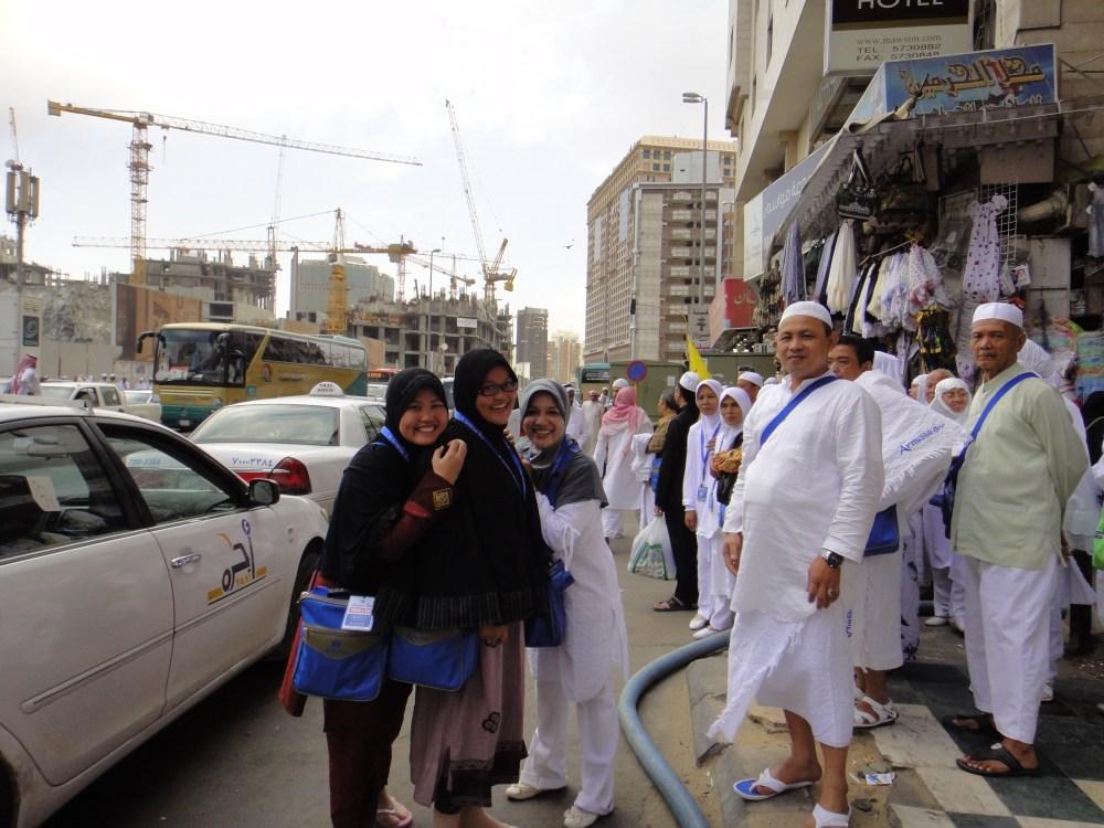 Rihlah Ibadah Umroh ke Makkah al Mukarromah, Maret 2011 bersama jamaah Al Munawwarah Padang diselenggarakan oleh Arnussa Tour Jakarta (2/6)