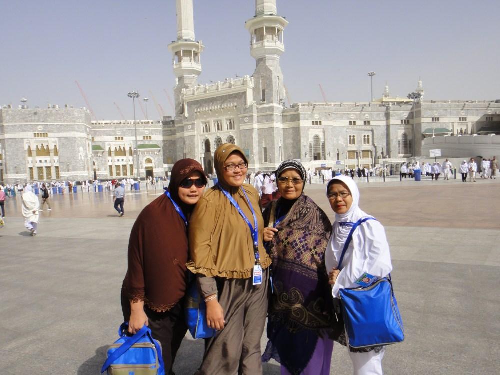Rihlah Ibadah Umroh ke Makkah al Mukarromah, Maret 2011 bersama jamaah Al Munawwarah Padang diselenggarakan oleh Arnussa Tour Jakarta (5/6)