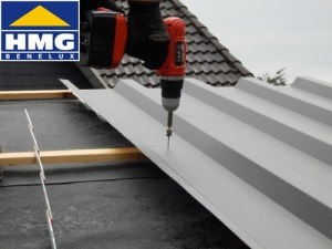 Bevestiging van de dakplaten