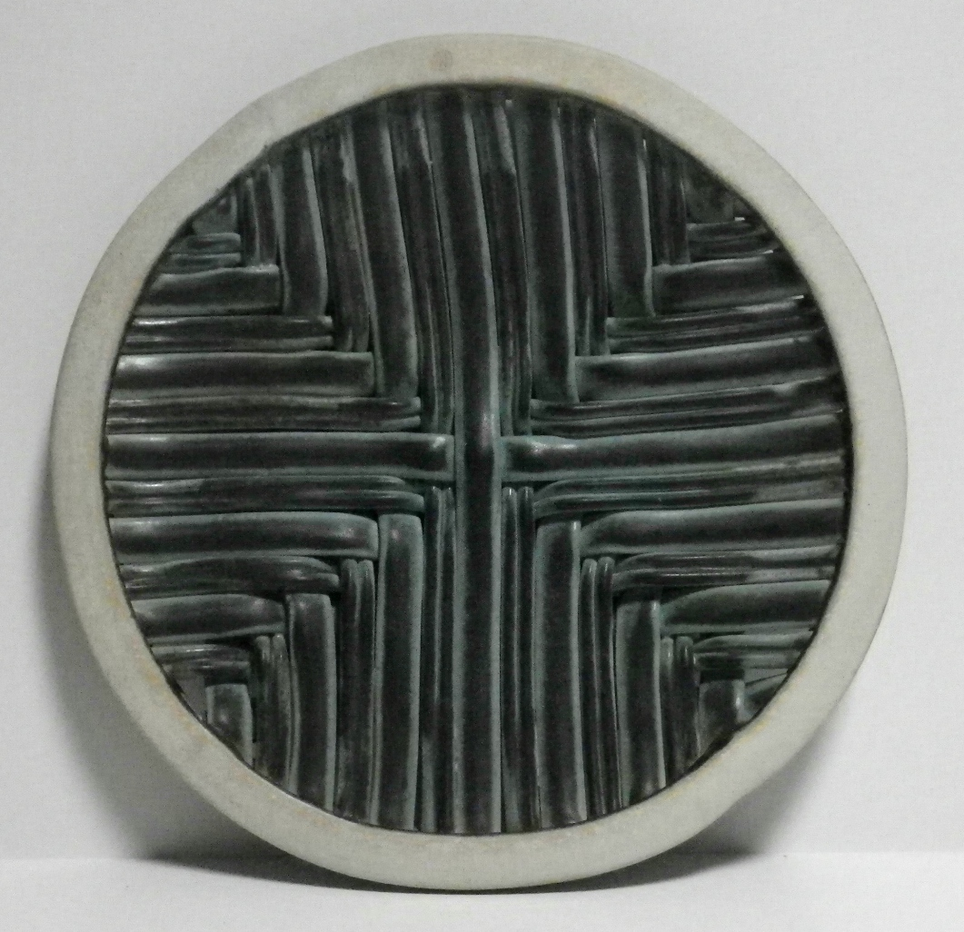 Double sided square weave plate