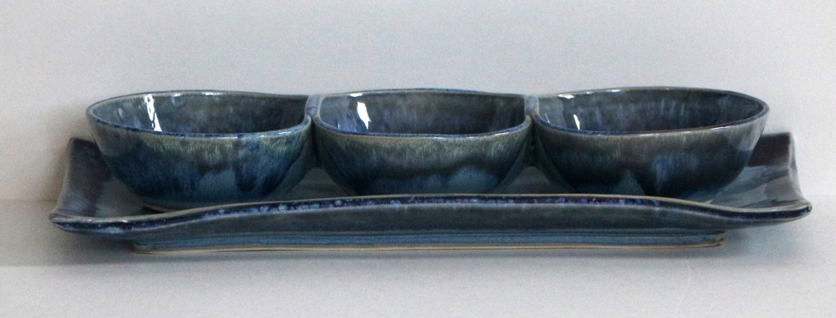 stoneware blue bowl trio with plate