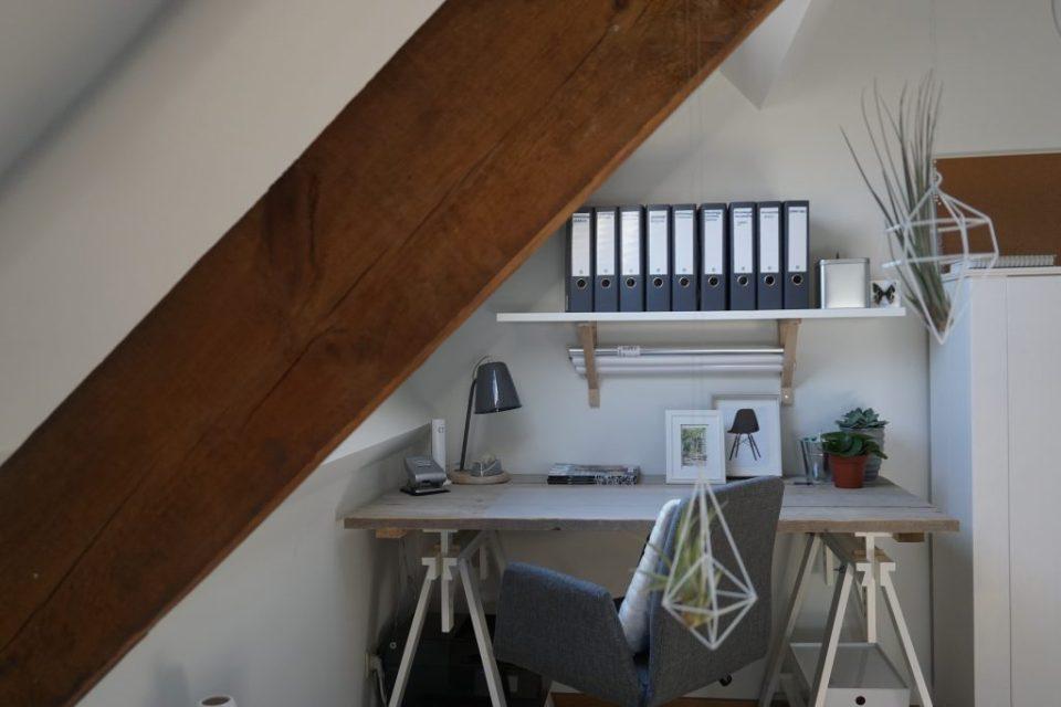 makeover-blog-bureaustoel-bureau-nieuw-steigerhout-grijs-modern-organiseren-wit