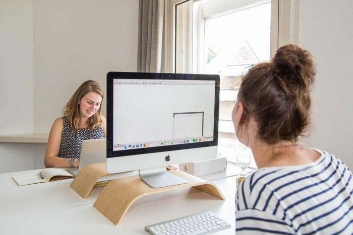 laura-kantoor-werken-computers-interieurontwerp