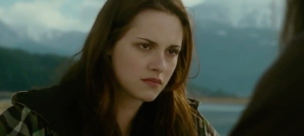 Bella Swan manipulates a naïve teenager.