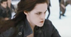 Bella Swan looking particularly cold.