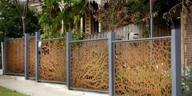 15 Creative And Inspiring Garden Fence Ideas – Home And Gardening