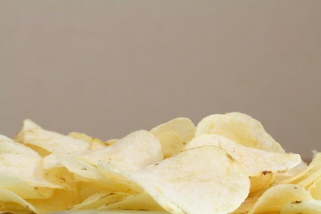 スナック菓子は確実に太る理由【体感してみて】身体への悪影響は!?