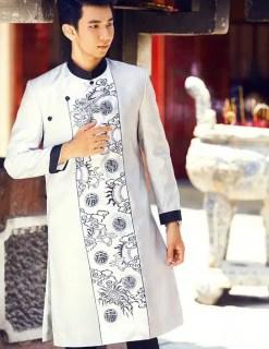 Áo dài nam trắng bạc họa tiết truyền thống