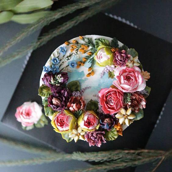 bánh và hoa sinh nhật