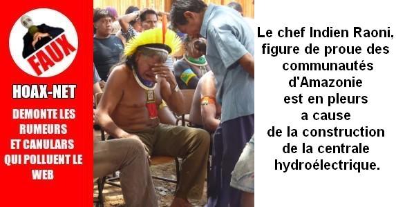 Le chef indien Raoni, figure de proue des communautés d'Amazonie, est en pleurs