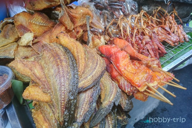Пилешко, свинско и риба по улиците на Банкок
