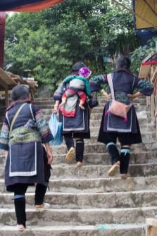Жени в традиционно облелко във Виетнам - SAPA