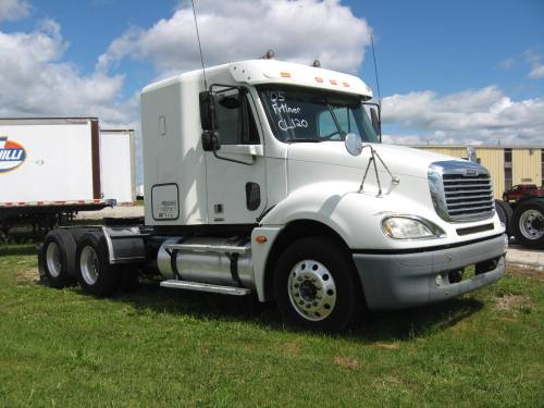 small resolution of 2005 freightliner columbium a