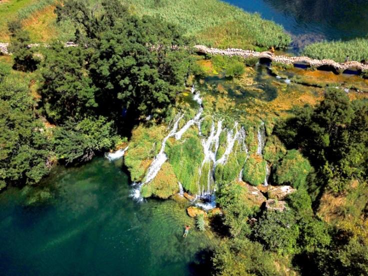Kudin Most - Der traumhafte Wasserfall in der Schlucht