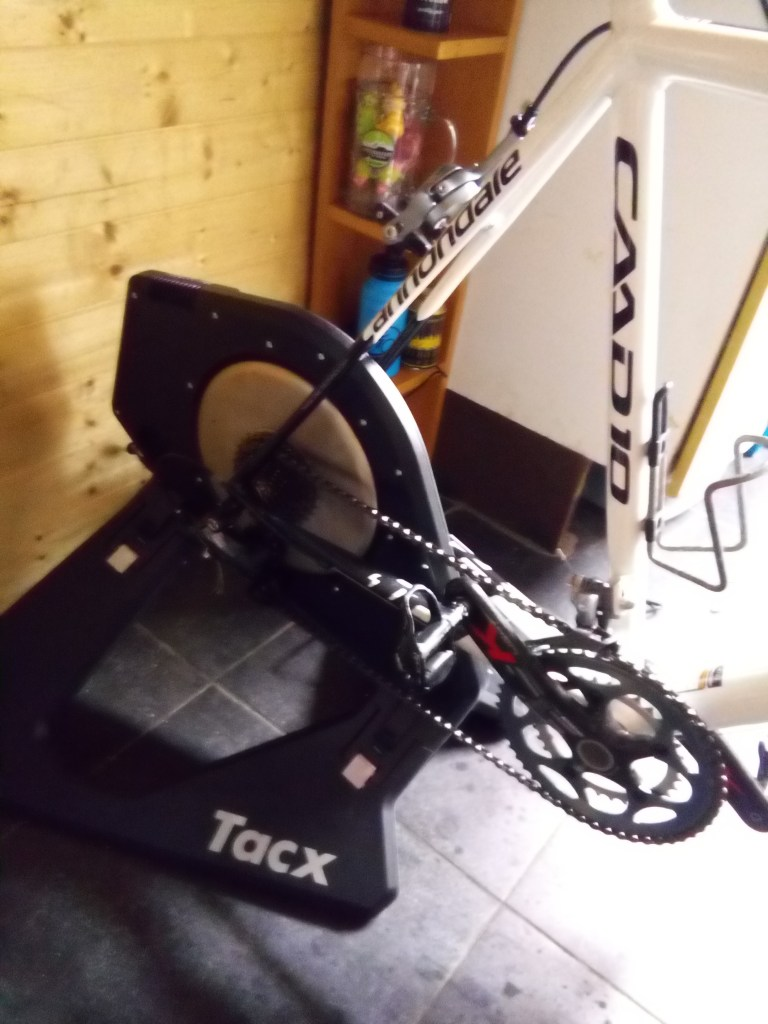 Tacx Neo met Cannondale CAAD10