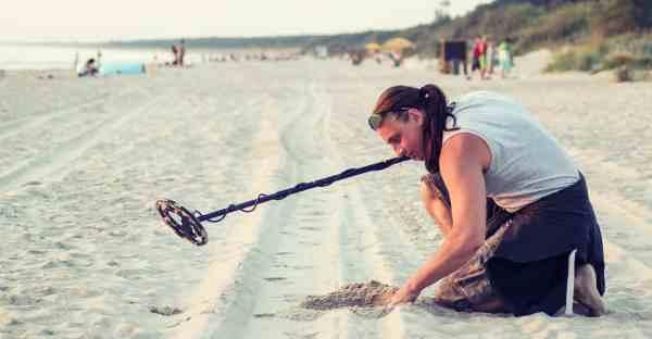 Helpful Tips Beach Metal Detecting Hobby