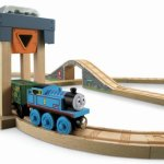 Fisher-Price-Thomas-the-Train-Wooden-Railway-Coal-Hopper-Figure-8-Set-0-1