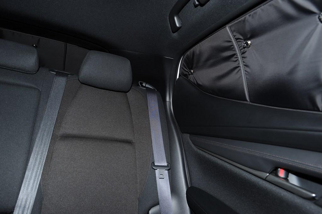 マツダ3 内装と後部座席シート