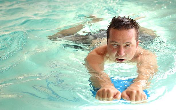 man_swim.png