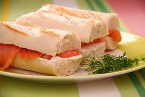 resep-roti-lapis-salmon-asap