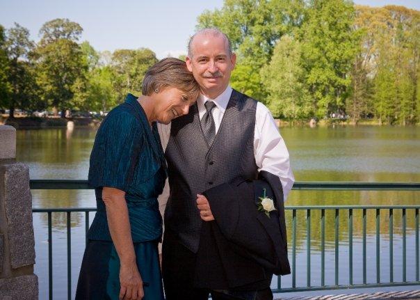 mom and dad at wedding