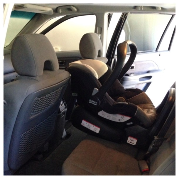 infant car seat in Pilot