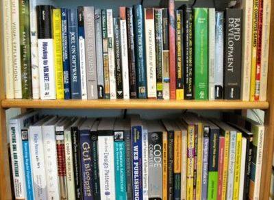 """16 Cuốn sách """"kinh điển"""" mà tất cả lập trình viên đều nên đọc"""