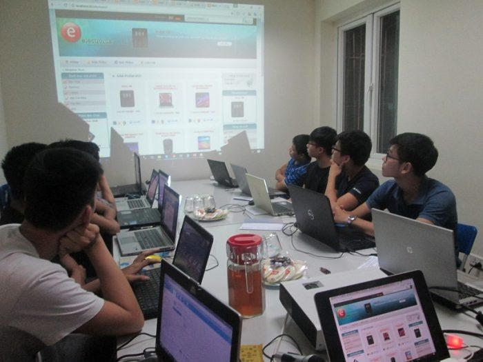 Một khóa học PHP tại Stanford