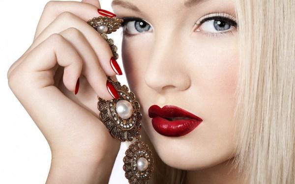 Новый тренд в макияже: как сделать акцент на губах