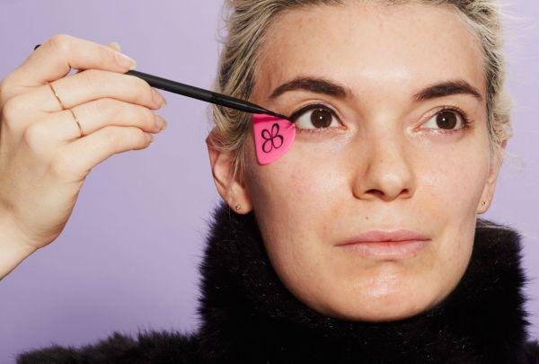 Делать стрелки будет проще: BeautyBlender готовит к выпуску новый продукт