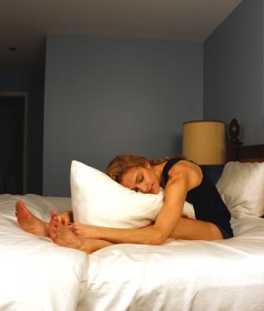 йога в постели