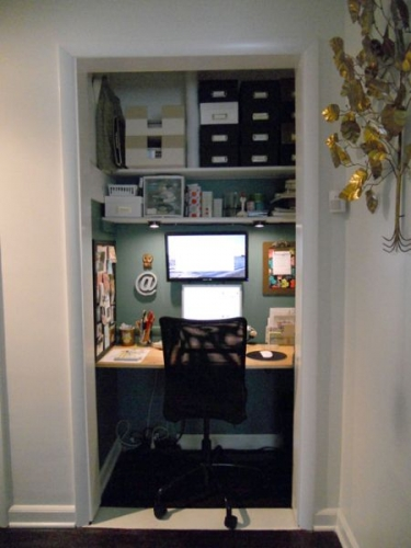 рабочий кабинет в кладовке