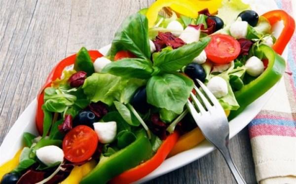 Сырые овощи на завтрак