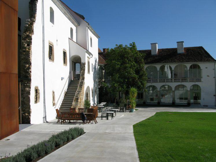 Schloss Hartberg  Hochzeitslocation Steiermark