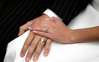 Eheringe Verlobungsringe aus Edelstahl mit Swarowski