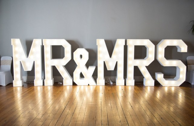 Lightbox-mr-mrs