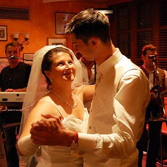 Fotograf Preise: Brautpaartanz beim Hochzeitsfeier