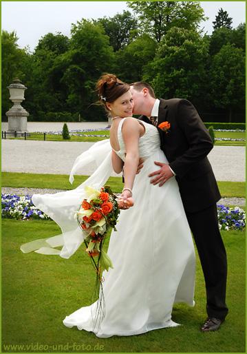 Fotoshooting mit dem Brautpaar im Schloss Nümphenburg