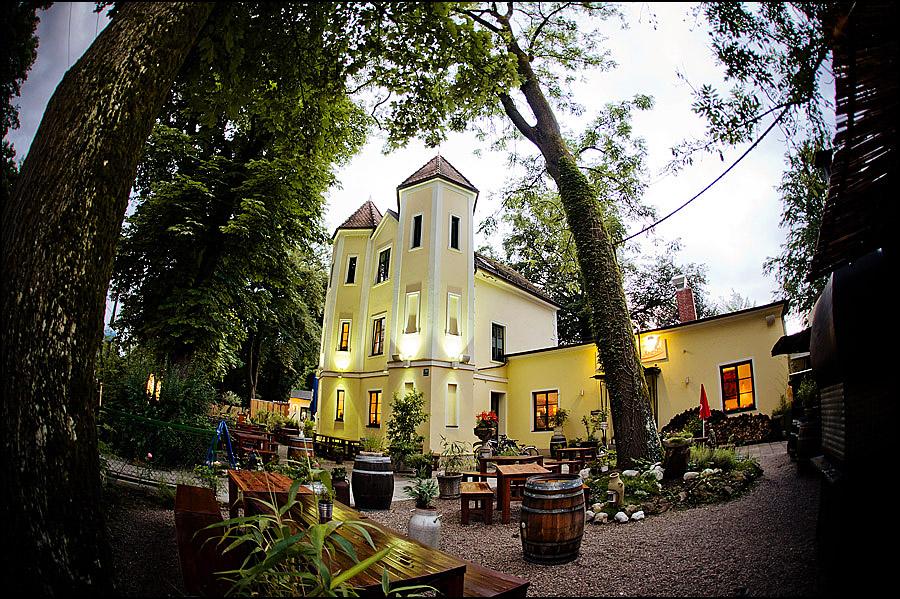 Michaela  Alexander  Hochzeitsfoto Mnchen  Villa