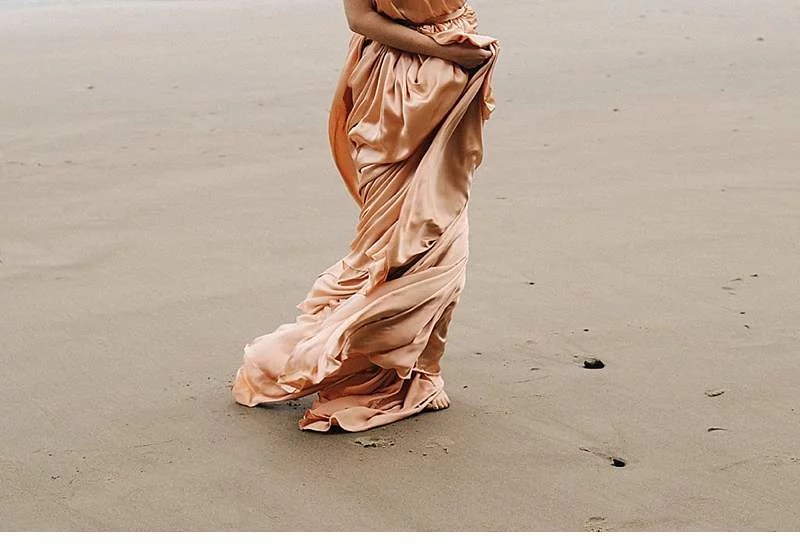 oregon-coast-emily-riggs-bridal-dresses_0004