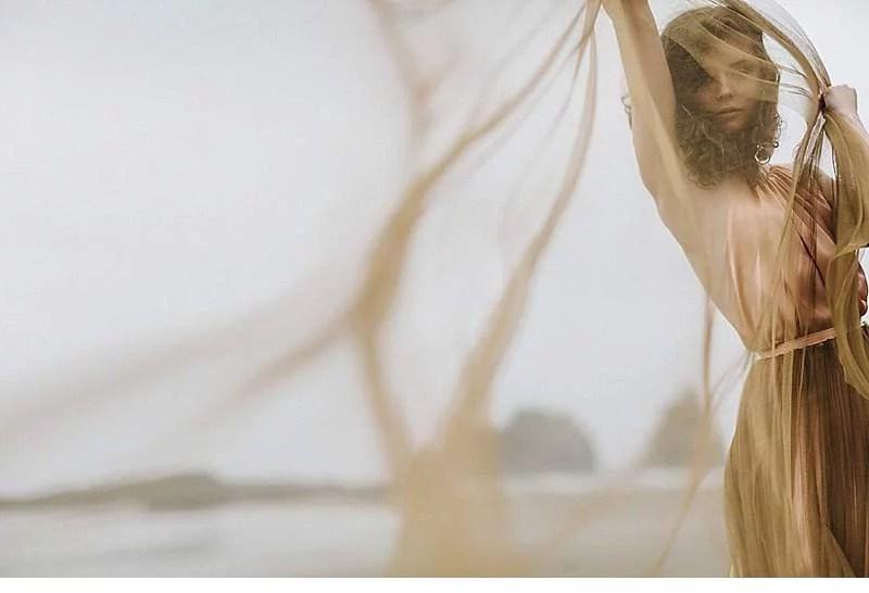 oregon-coast-emily-riggs-bridal-dresses_0007